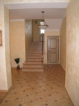 Лестница и коридор Центра
