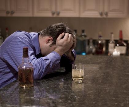 Алкоголіки пізніх стадій залежності